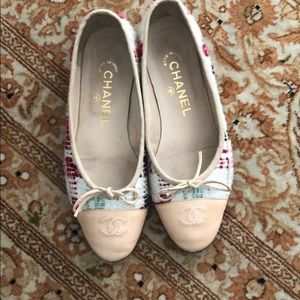 Chanel ballet flat shoes